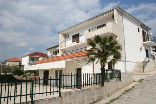 Ferienhaus Sanja in Okrug Gornji