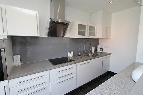 porta k chen frechen tische f r die k che. Black Bedroom Furniture Sets. Home Design Ideas