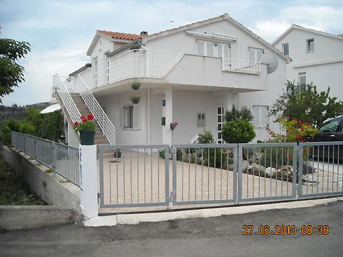 Ferienhaus Jelena in Okrug Donji