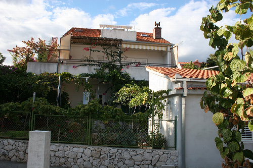Ferienhaus Vesela in Okrug Gornji