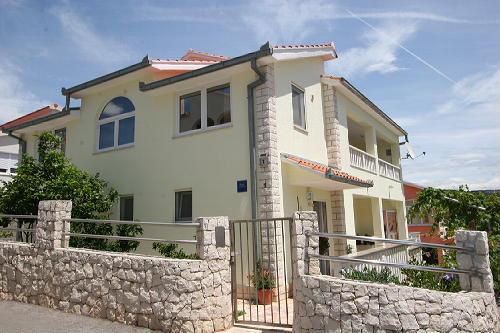Ferienhaus Mandic in Okrug Gornji