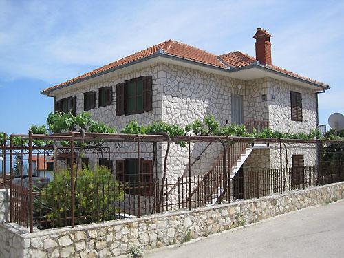 Ferienhaus Radmilo in Okrug Gornji