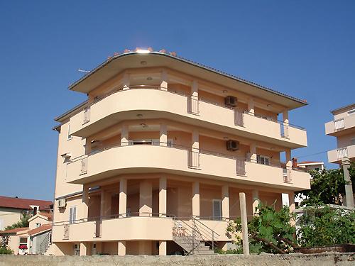 Ferienhaus Bareta in Okrug Gornji