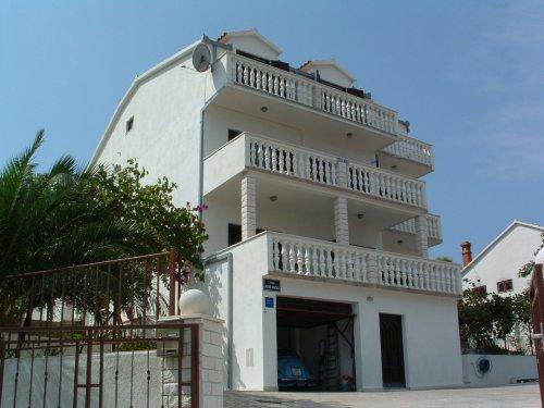 ferienhaus nena in mastrinka urlaub in kroatien mit porta croatia. Black Bedroom Furniture Sets. Home Design Ideas